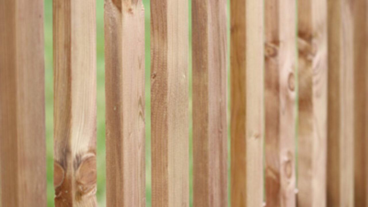 Holzzaun Selber Bauen Materialien Und Anleitung Gartenlexikon De