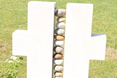 Grabgestaltung mit Steinen