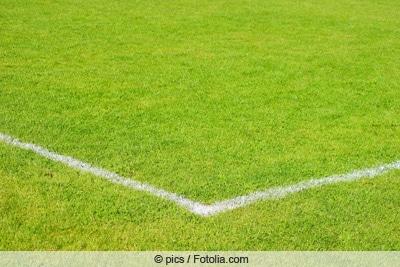 Blick auf Fußballrasen