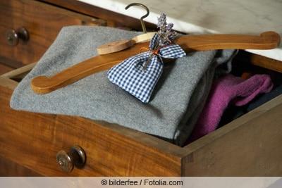 Lavendelsäckchen gegen Kleidermotten