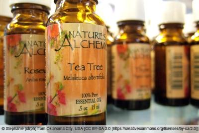 Teebaumöl in Flaschen