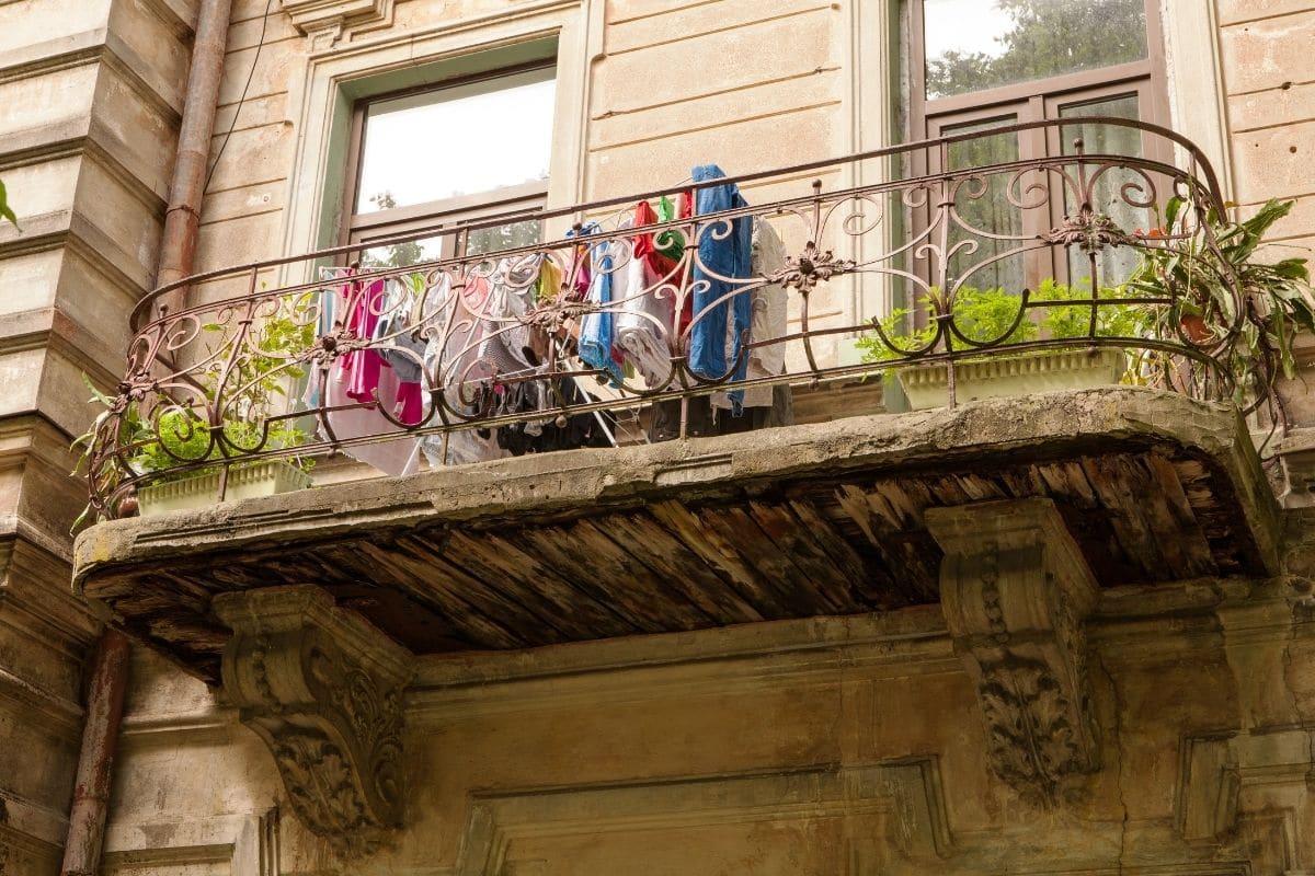 Balkon-Traglast - Alter Holz-Balkon