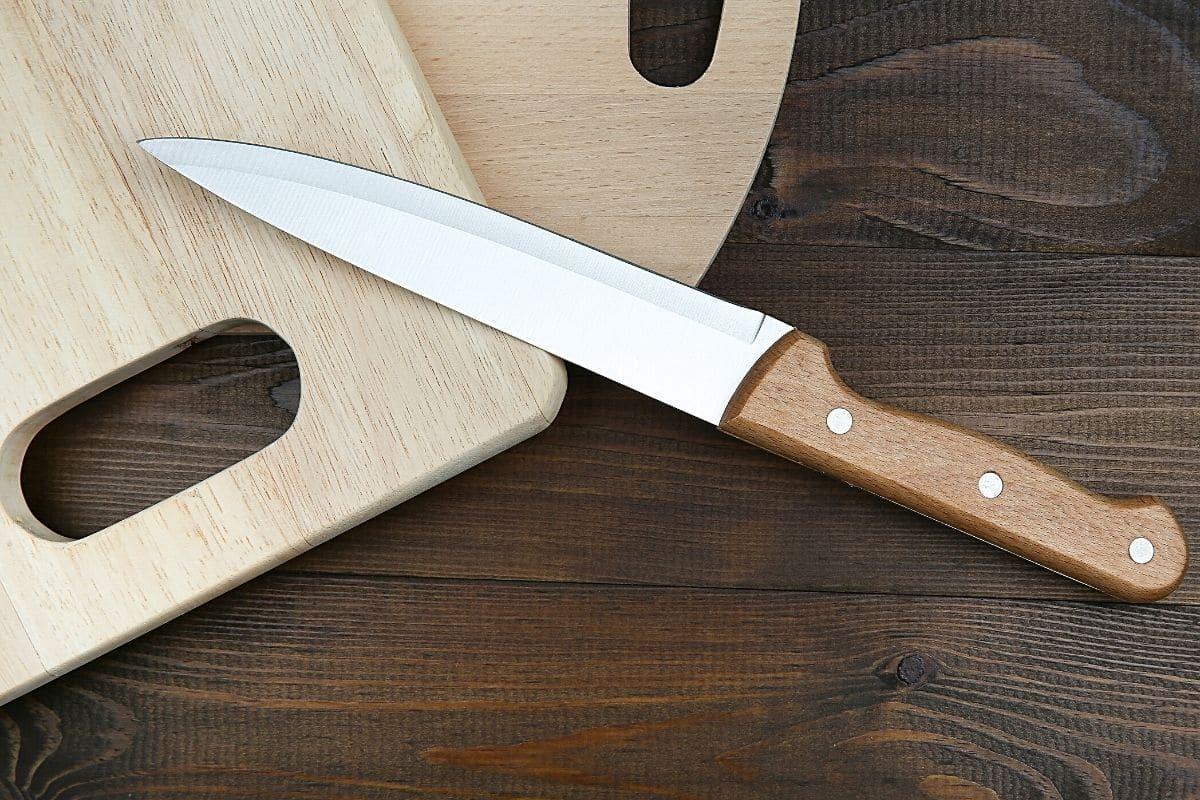 Schneidbrett und Messer