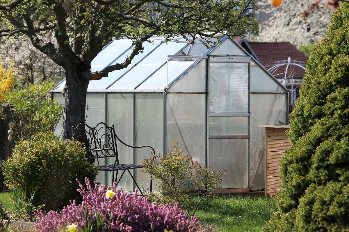 Solarenergie im Garten - Gewächshausheizung