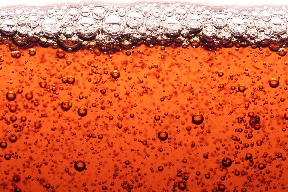 Cola als Moosentferner