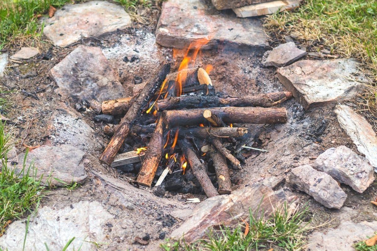 Kleines Feuer