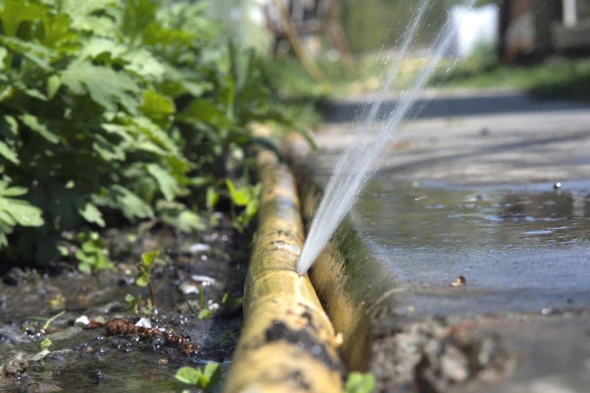 Undichter Wasserschlauch